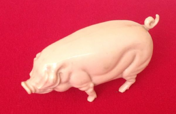 "Original Tri-ang / Triang Junior series pressed steel model Plastic "" FLESH PINK PIG "" for the FARM LORRY [ Price Per Pig ]"